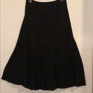 Dresses & Skirts - Vintage flowy black maxi skirt